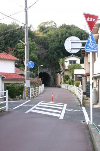 終戦まぎわに完成した大仙トンネルも健在