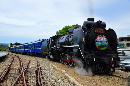濁水駅でのDT668