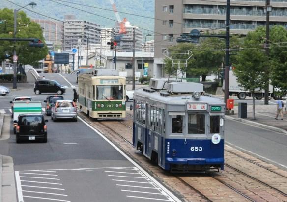 平成27年8月22日 比治山線を回送で広島駅に向かう653号