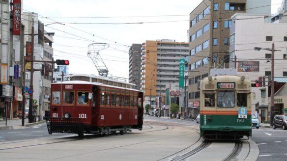 横川駅前のレトロ電車101号と1911号