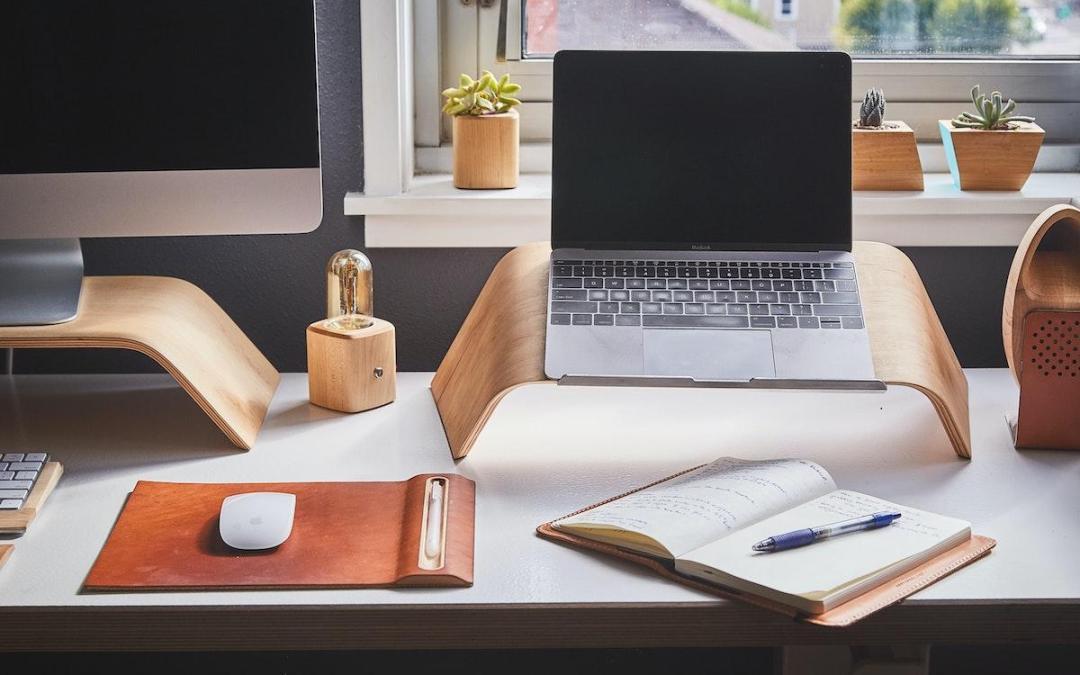 Home desk set up