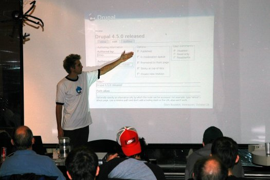 Dries giving a presentation on Drupal