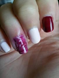 water marble pink essie