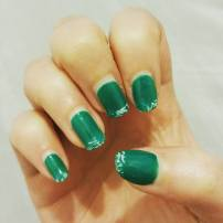 Green and white lace tips