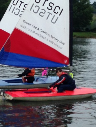 Hal topper sailing