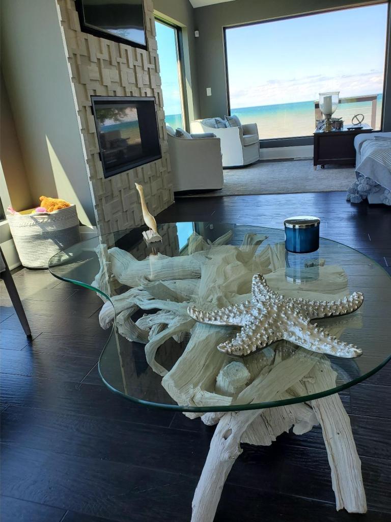 driftwood-coffee-table