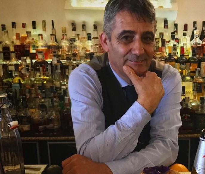 Leandro Serra bar manager
