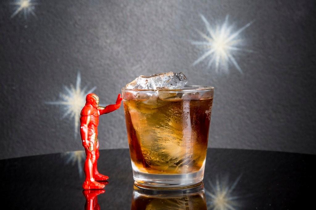 drink DEMON IN A BOTTLE (Iron Man) realizzato da I Maestri del Cocktail 1