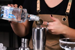 margarita cocktail versare tequila