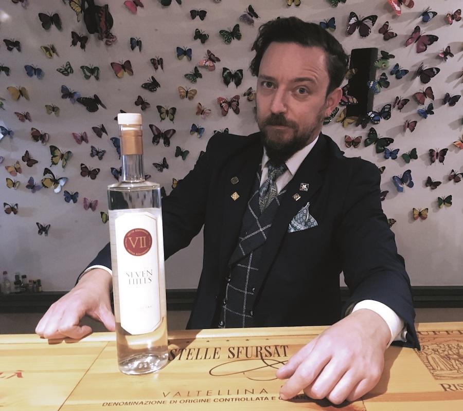 Simone Mina bartender