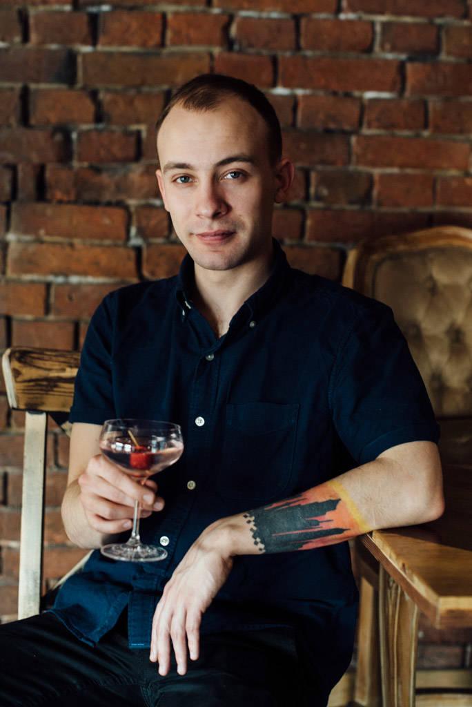 ejov-bartender-3