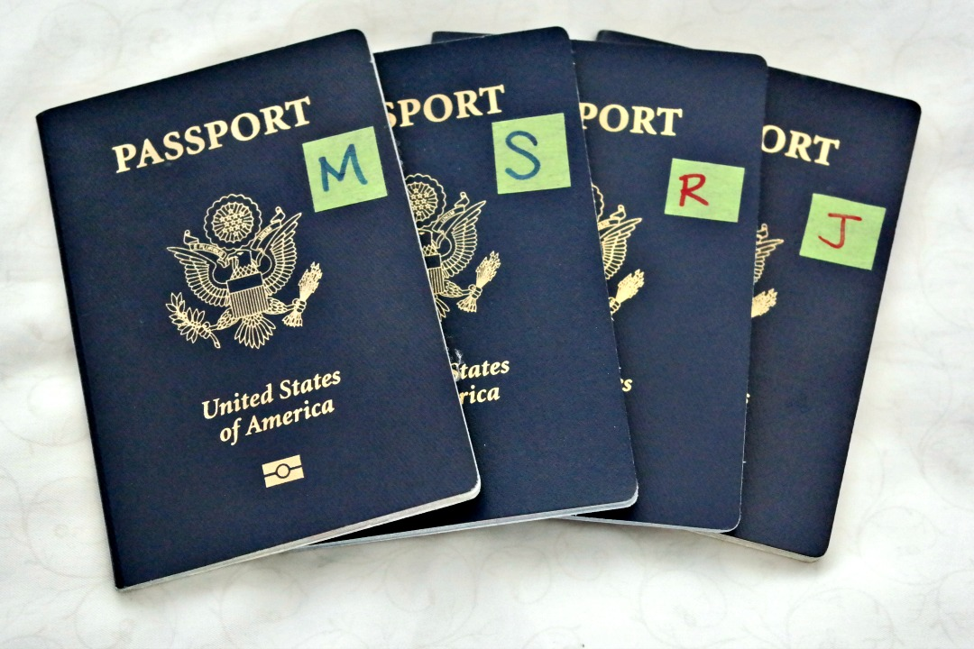 Label-Passport-Time-Saving-Airport-Travel-Tip