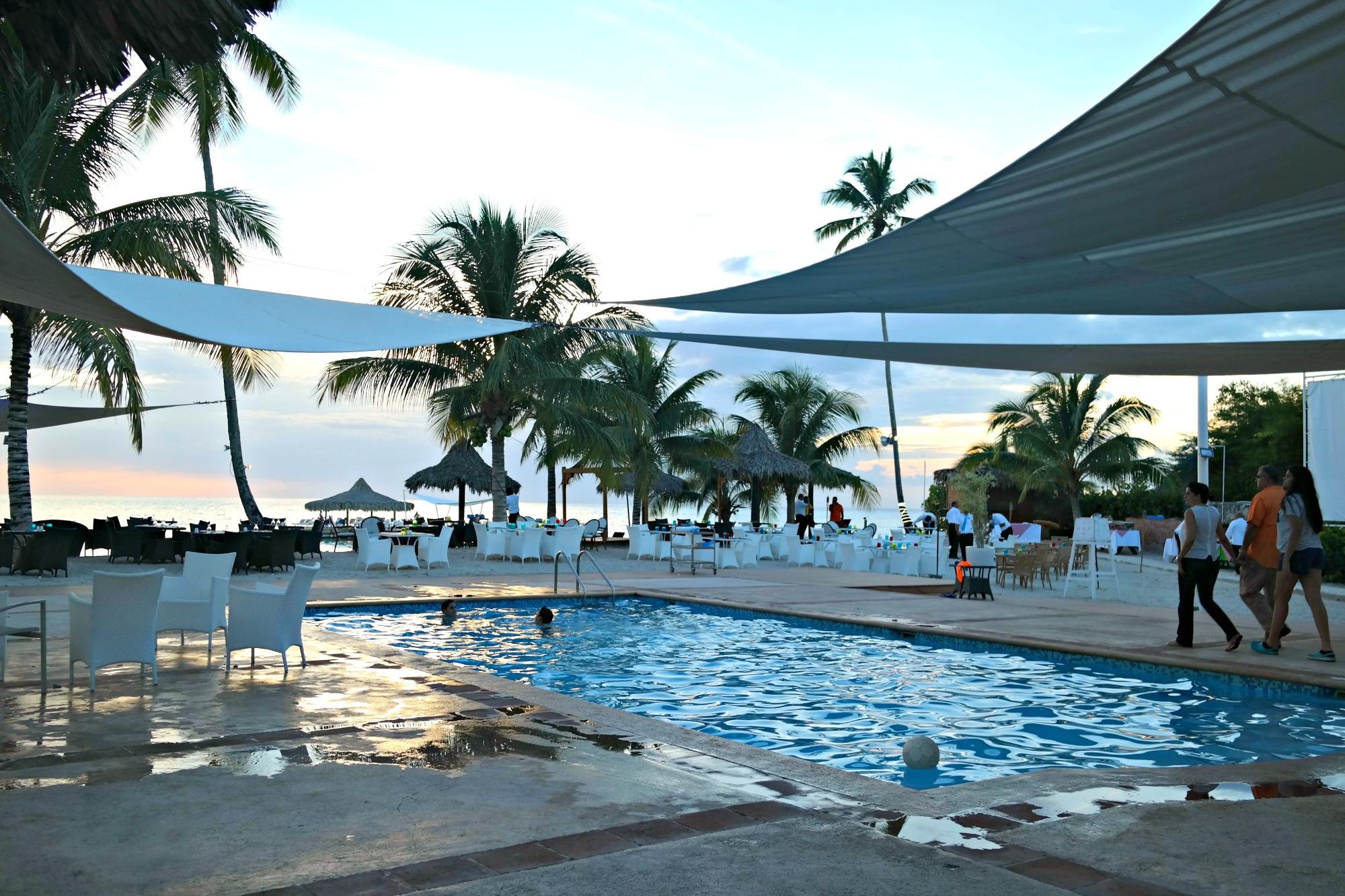 Cadaques-Beach-Pool