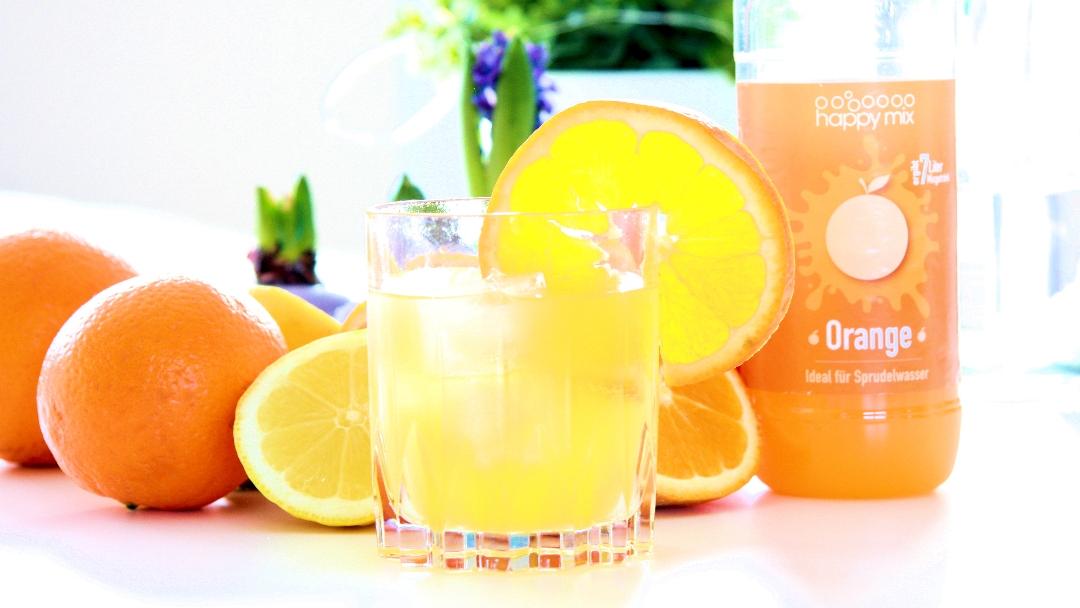 Happy Mix Vodka Orange mit echter Orange garniert