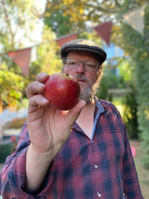 Amateur cider maker, Max Allen
