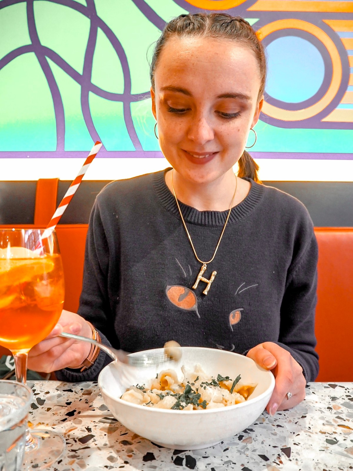 Drinkswithhebe with pasta and aperol spritz