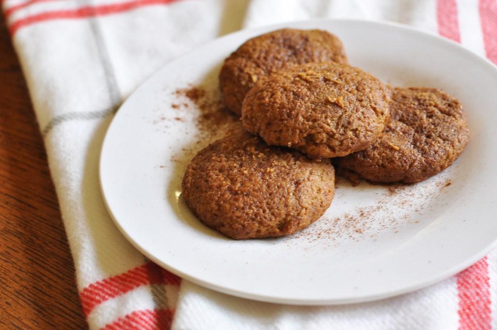 Healthy Pumpkin Snickerdoodle Cookies | Drink the Day