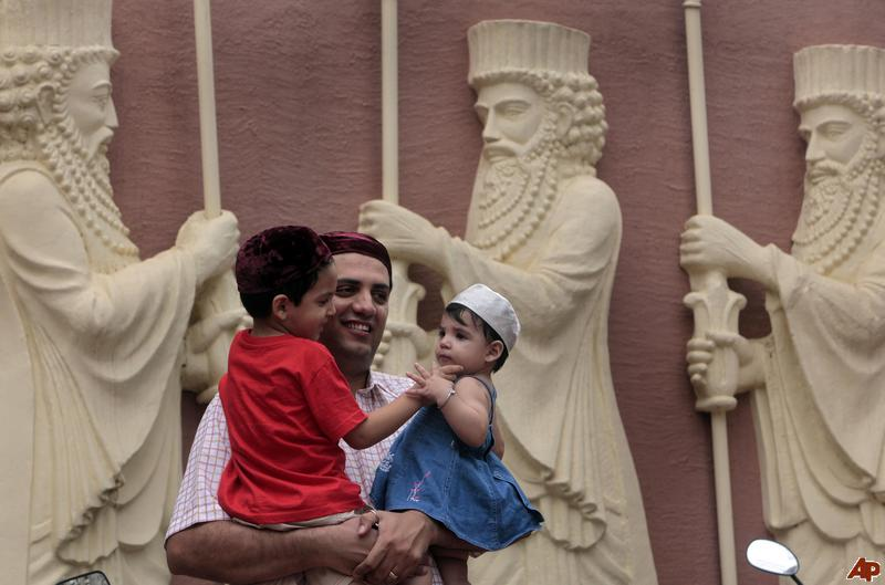 9 Pioneering Ways Parsis have Shaped Modern India