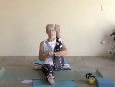 45min Active Gentle Yoga for the Lower Body