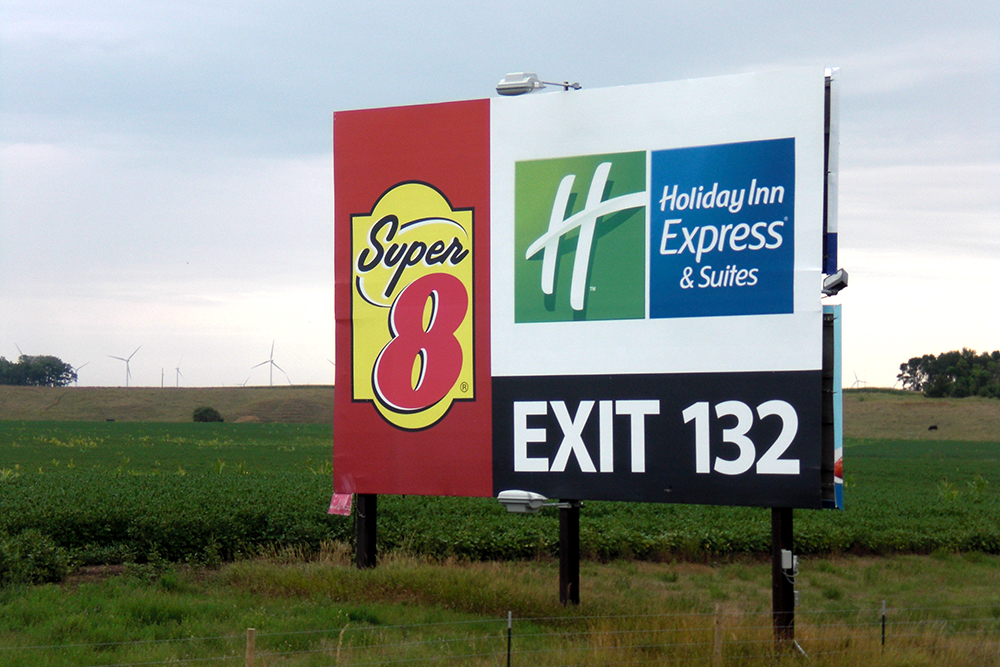 Super 8 & Holiday Inn Express | DRIVE-BY SIGNS