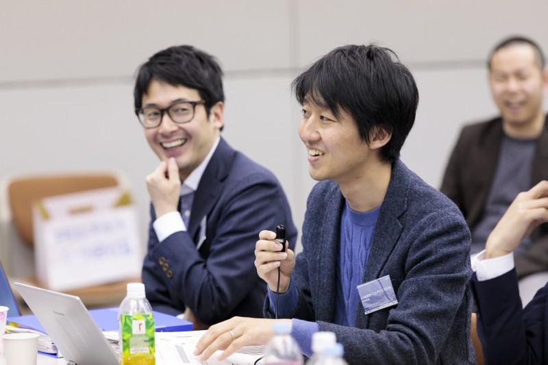塾生に問いかける今井悠介さん(公益社団法人チャンス・フォー・チルドレン代表理事)