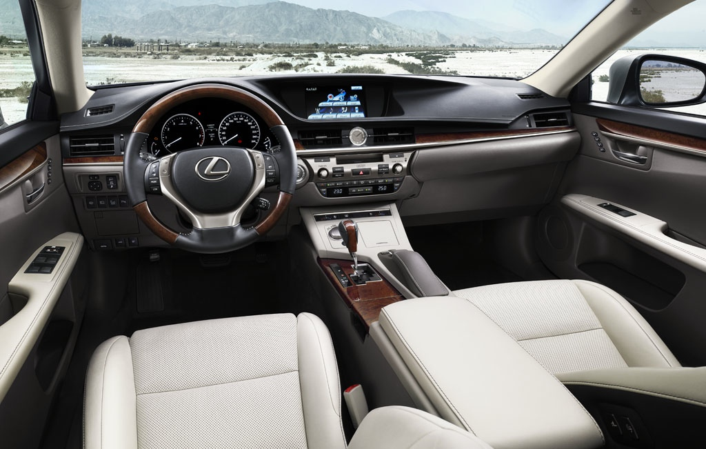 Lexus ES 2013 Is Bigger And Offers Two Engines