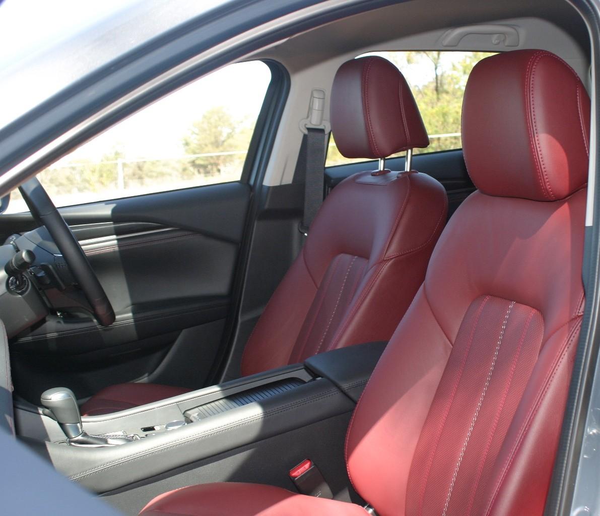 Mazdag6 wagon front seats