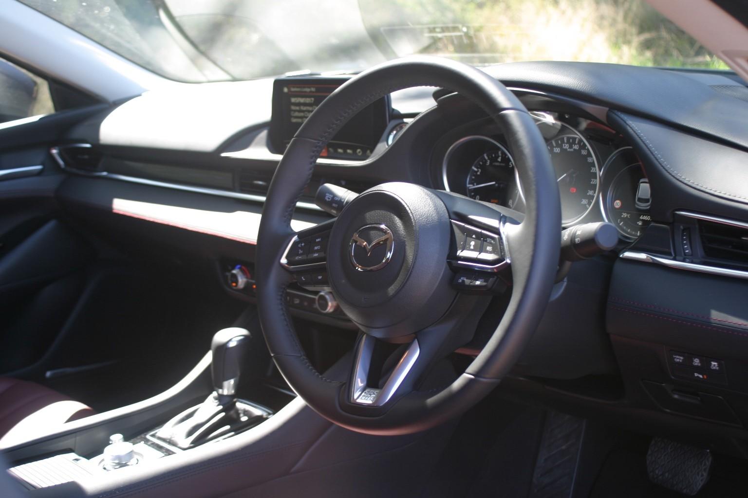 Mazdag6 wagon steering wheel