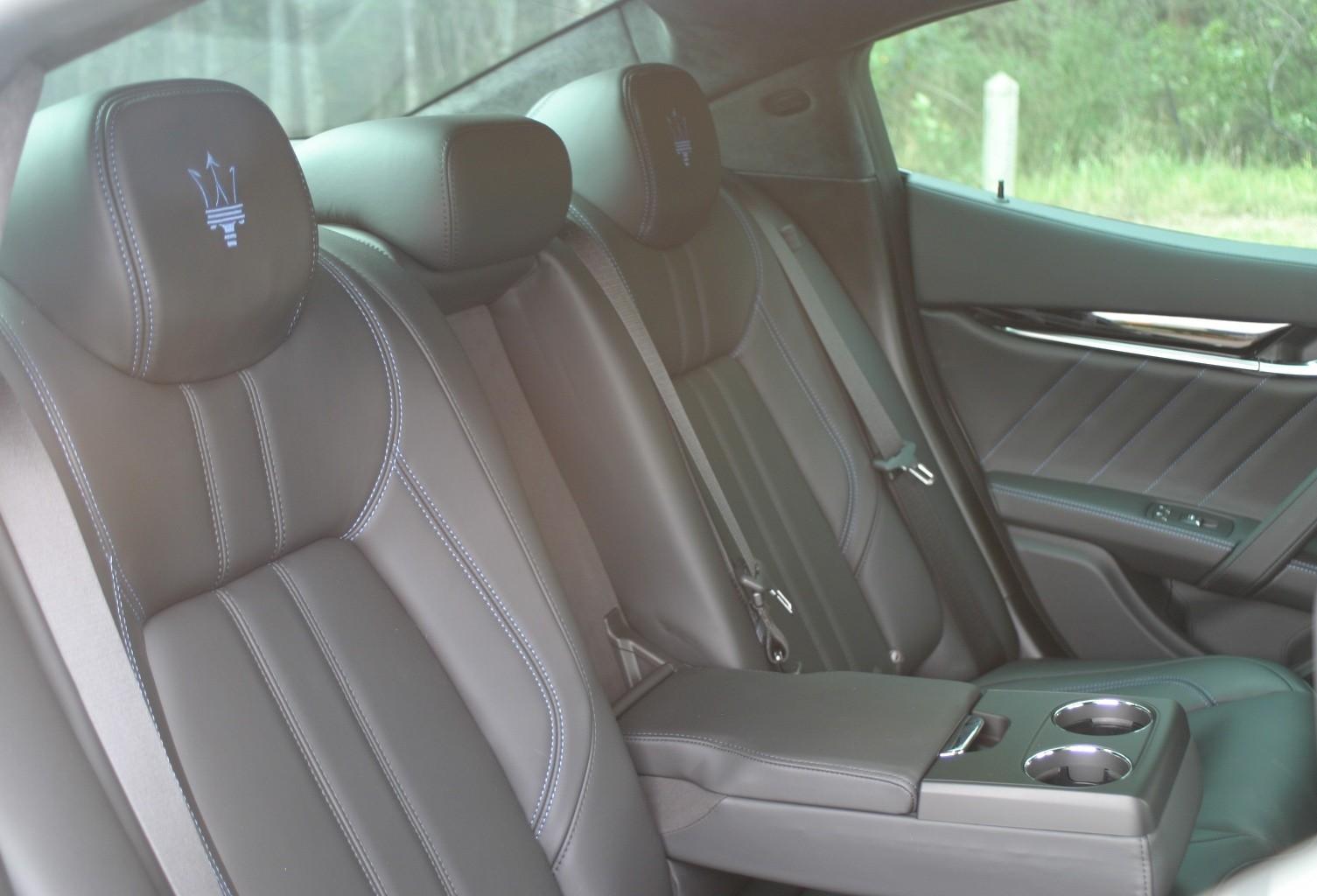 Maserati Ghibli Hybrid rear seat