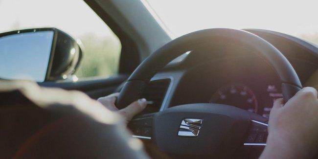 steering wheel - photo by Image by Matan Ray Vizel