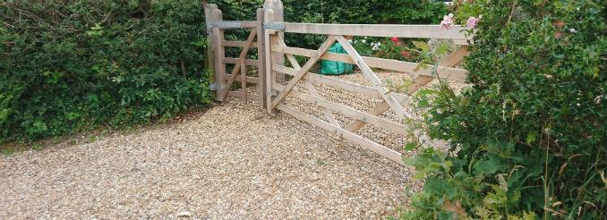 oak-farm-driveway-gate