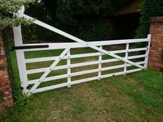 wooden-driveway-gates