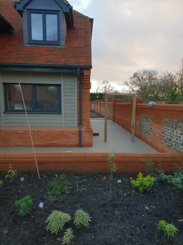 Resin Bound Surfacing Specialists resin path around house in Hook Hampshire