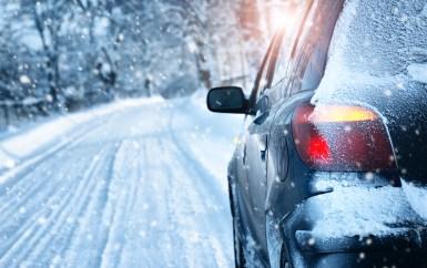 Cómo conducir de forma segura en la nieve y el hielo - Driving-Tests.org