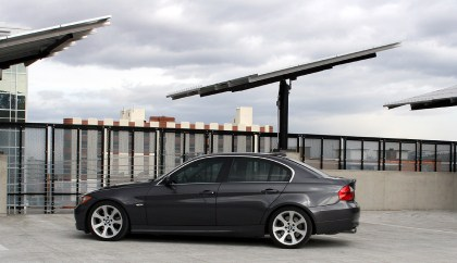 2006 BMW 330i – At the track – Driving Feel