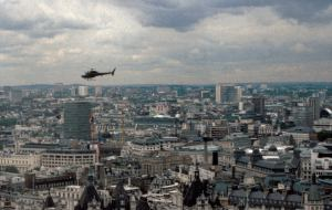 Helicopter view - View_of_London_skyline_and_black_helicopter_-_panoramio