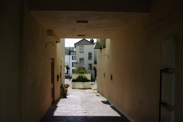 But duck down an alley or through a courtyard and you'll find yourself in a quiet neighborhood.