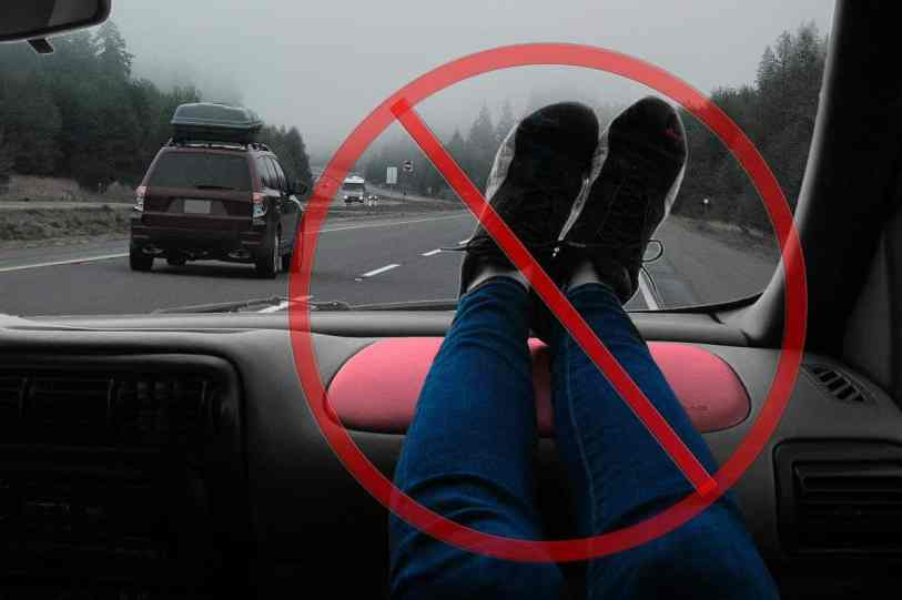 don't rest feet on airbag