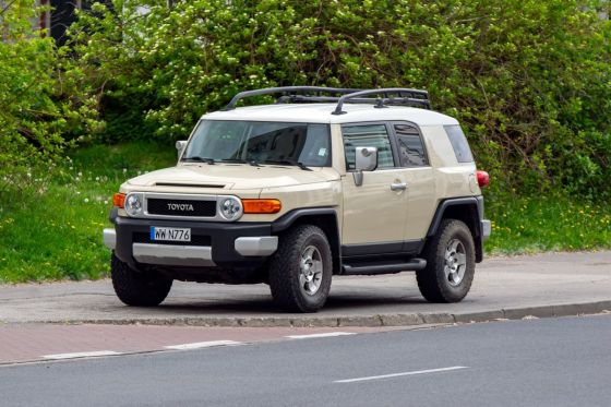 why did toyota stop making the fj cruiser