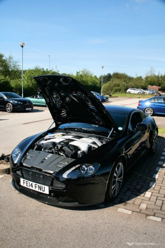 Car Cafe - Aston Martin V12 Vantage