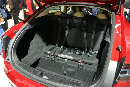 Tesla Model S85 Seats In Boot