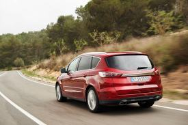 Ford S-Max Driving 01