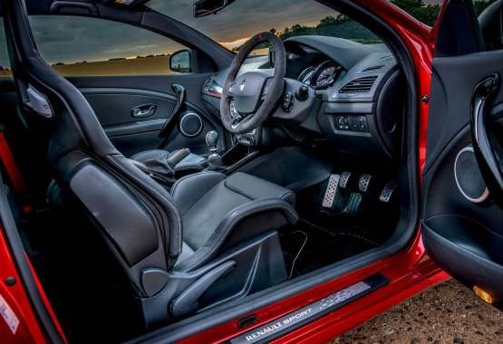 Megane Renaultsport 275 Cup-S Preview Interior 01
