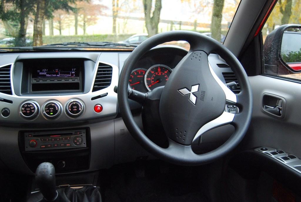 Mitsubishi L200 Trojan Interior