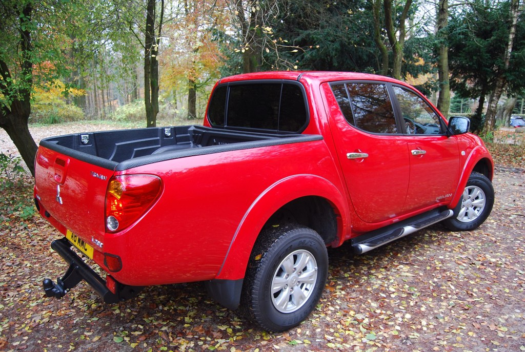Mitsubishi L200 Trojan Red Side View