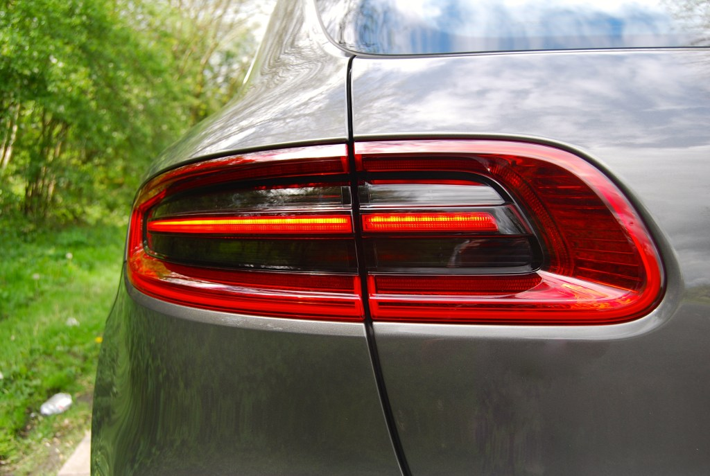 3D rear lights, design taken from 918 porsche macan
