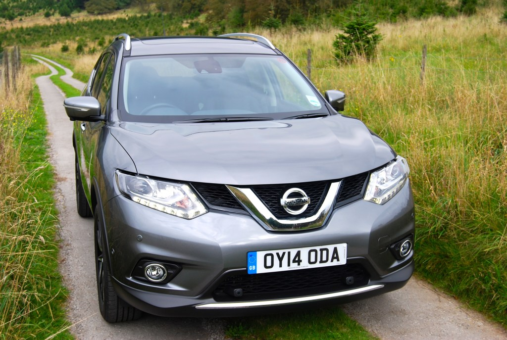 new_nissan_x-trail_grey