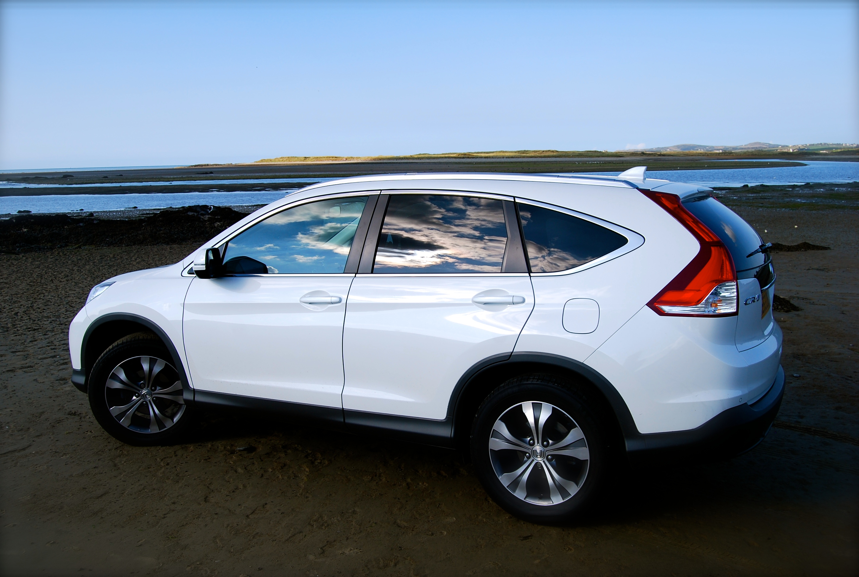 Honda cr v dtec 2wd review driving torque for Honda crv competitors