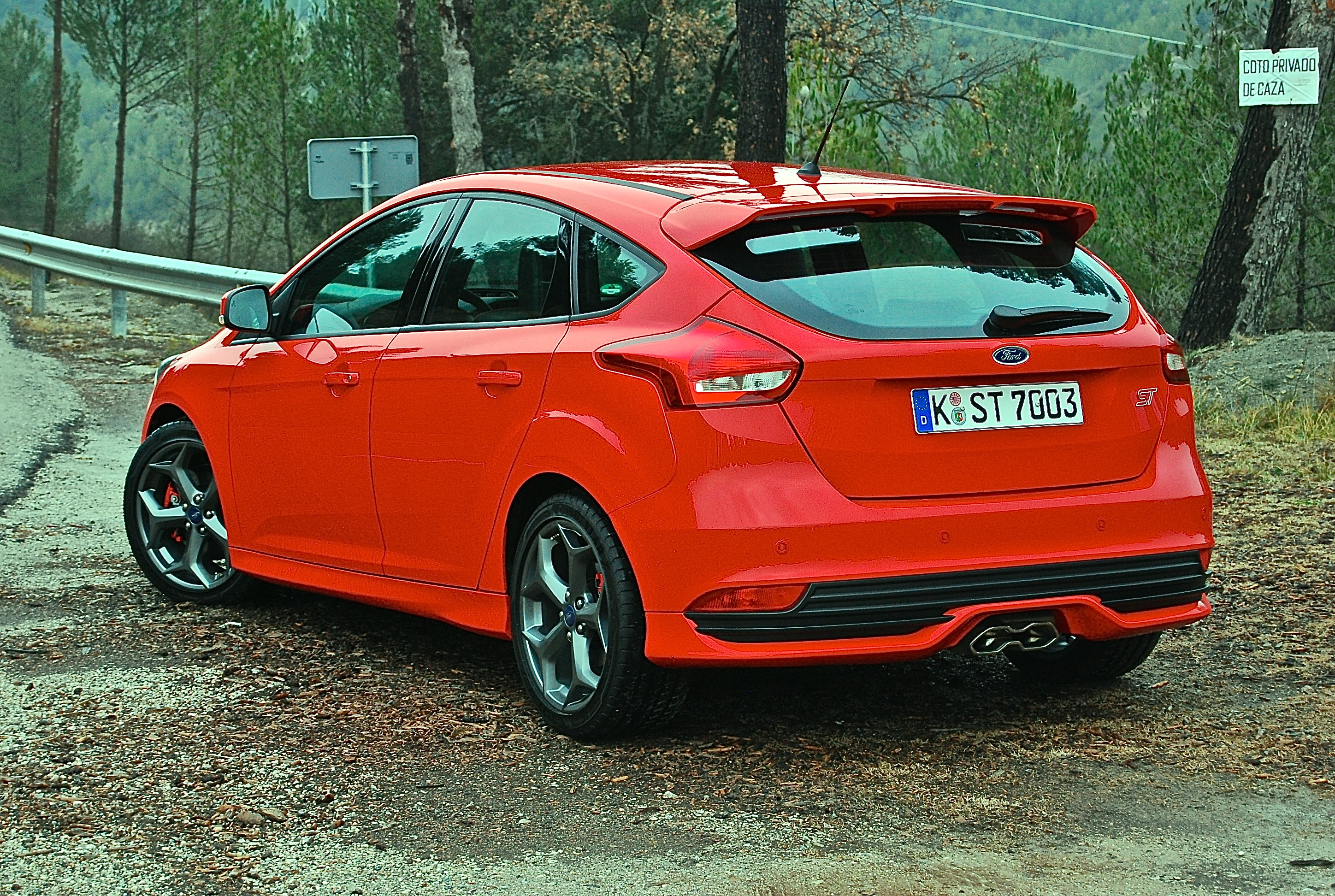 new ford focus st first drive driving torque. Black Bedroom Furniture Sets. Home Design Ideas