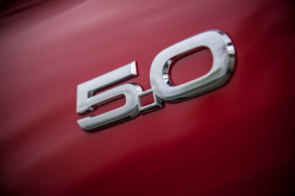 new_ford_mustang_gt_race_red_5.0_badge